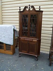 50223 Antique Mahogany 2 Piece Chippendale Corner China Cabinet Curio