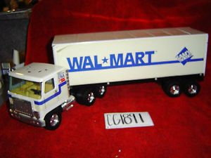 Antique Collectable  Sams Club Semi Truck with Trailer Nylint Corp CG1891