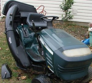 LT1000 Lawn Tractor Riding Mower 16 5HP 42in