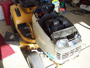 Cub Cadet 2000 Series Riding Lawn Mower