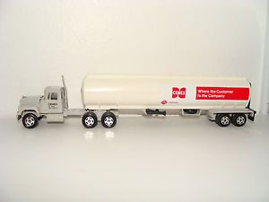 Ertl 1 64 Cenex CHS Trucks of The World Mack R600 Semi Tractor Trailer Tanker