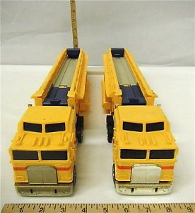 2 PC 1986 Mattel Hot Wheels Semi Truck Car Carriers Transporter
