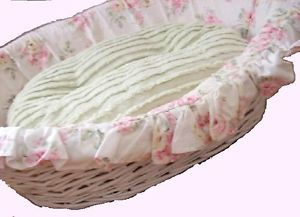 Retired Simply Shabby Chic Pet Dog Bed Rachel Ashwell Wicker Roses Chenille