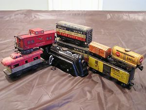 Vintage Marx Toy Train Lot Wind Up Locomotive Various Tin Train Cars