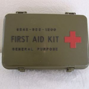 Vintage US Army First Aid Kit 1970s Plastic Medical Box Green General Purpose