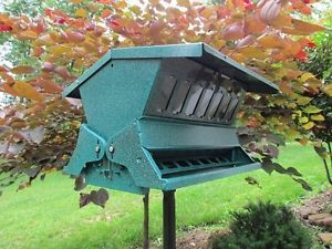 Absolute II Squirrel Proof Bird Feeders Model 7536
