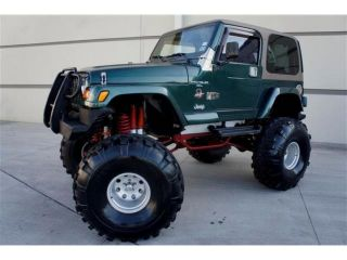 Monster Jeep Wrangler Sahara Chevy V8 Engine Edelbrock Carburetor 44 inch Tires
