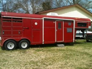 1992 Delta 2 3 Horse Trailer with Living Quarters