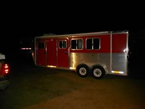2006 3 Horse FeatherLite Trailer Gooseneck 3 Horse Trailer New Living Quarters