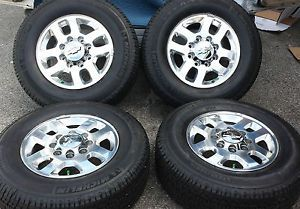 2011 2013 Silverado GMC 2500HD 18 Factory Wheels Michelin Tires LT265 70R18