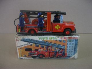 Vintage Tin Daiya Fire Engine Truck Friction Powered Five Men 1950s Japan