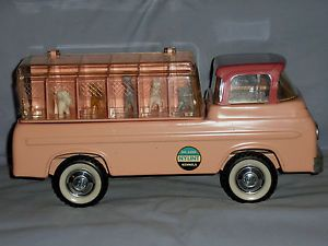 Vintage Nylint 1960's Ford Kennels Pressed Steel Truck w 10 Dogs No 6200 Pink