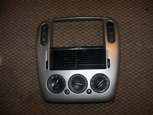 03 04 05 Climate Control Radio Bezel Center Trim Ford Explorer AC Heater