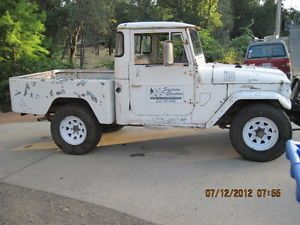 Toyota Landcruiser Shortbed Pickup Truck 1965 with Winch Chevy 350 Etc