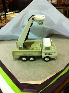 Vintage Tonka Bell System Telephone Truck w Bucket Lift Toy Metal Cherry Picker