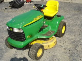 Used John Deere LT160 Riding Lawn Tractor Kohler Engine Runs Deck Needs Replaced