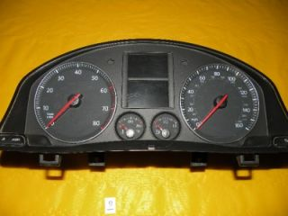 06 Jetta Speedometer Instrument Cluster Dash Panel Gauge 13 784