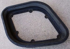 1983 Camaro Z28 Crossfire Air Cleaner Cold RAM Air Hood Seal Cross Fire Mint 83