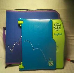 Leap Frog LeapPad Learning System w Books Cartridges