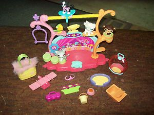 Littlest Pet Shop LPS Talent Show 5 Pets Boombox Pet Dishes Pet Bed Teeter Totte