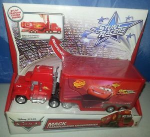 Disney Pixar Cars Stunt Racers Mack Transforming Transporter Car Stunt Training