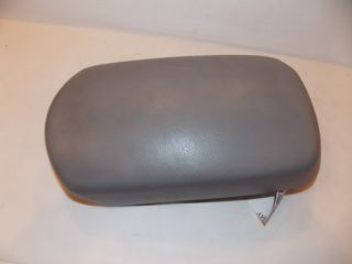 06 06 Toyota RAV4 Arm Rest Center Console Lid 2006 696