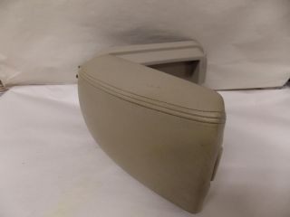 06 08 07 Hyundai Sonata Arm Rest Center Console Lid 2006 2007 2008 1559