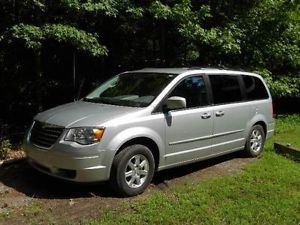 2008 Chrysler Town Country Touring with Handicap Lift Power Chair Scooter