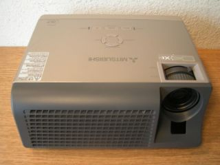 Mitsubishi XD206U LCD DLP Office Home Theater Projector