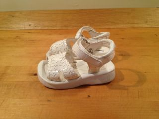 Baby Girls White Sandals Size 2 Toddlers Youth Casual Infant Easter Spring