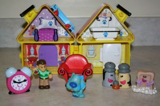 Blues Clues Steves Doll House Figures Lot Tickety Salt Pepper Soap Chair RARE
