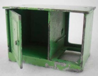 Vintage Tootsie Toys Green Metal Dollhouse Miniatures Furniture 2pc Lot
