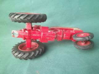 Ertl Red Farmall IH International Harvester 404 Farm Tractor Toy 1 16 Die Cast