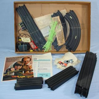 Tyco Night Glow Electric Racing Curve Huggers HP2 Slot Car Track Set 6610