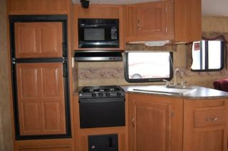 2009 Keystone Cougar x Lite 29RLS Rear Living Room Lite Weight Travel Trailer RV