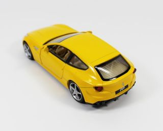 1 32 Model Ferrari FF Car Pattern Diecast Sound Light Q203