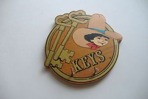 Vintage Little Buckaroos Key Organizer Jasco 1981 Taiwan Wood