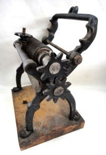 ★1920 Antique Cast Iron Itatonic Pasta Cutter Kitchen Tool