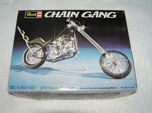 Revell Chain Gang Chopper Harley Davidson Parts Junk Yard 1 12 Scale RARE 1973