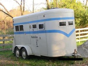 Horse Trailer Miley Will Deliver