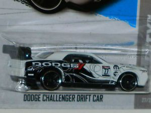 Hot Wheels 2013 Treasure Hunt Dodge Challenger Drift Car