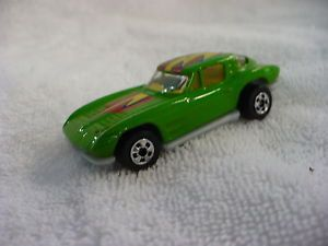 En Hot Wheels Green Corvette 1979