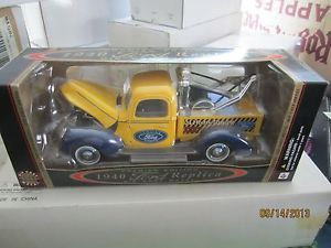 """1940 Ford Replica ""Ford Genuine Parts"" Tow Truck Wrecker"" Diecast 1 18 Scale"