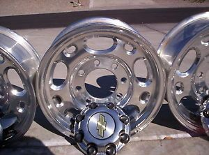 Chevy GMC Factory Wheels 4 Used 16x6 5 8 Lug and Lug Nuts Too