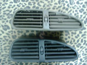 1998 2002 Oldsmobile Intrigue Center Dash Vent 1999 2000 2001 Tan Brown Gray