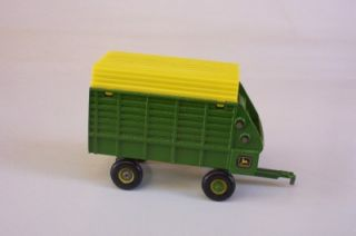 John Deere Metal Forage Trailer Wagon 1 64 Ertl Green Farm Toy Implement Diecast