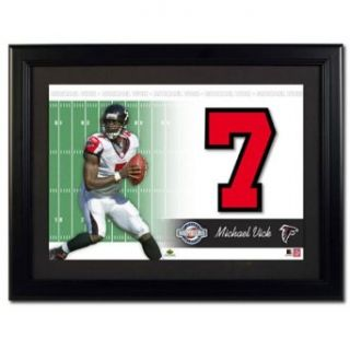 Upper Deck NFL Jersey Numbers Collection Atlanta Falcons   Michael Vick (Horizontal Pose)  Sports Related Trading Cards  Clothing