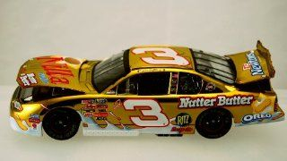 Action   Nascar   Dale Earnhardt Jr #3   2002 Chevy Monte Carlo   Nilla Wafers / Nutter Butter Nabisco Paint   1 of 7500   124 Scale Die Cast   Limited Edition   Collectible Toys & Games